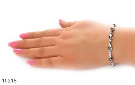 دستبند توپاز هفت رنگ طرح افسون زنانه - عکس 7