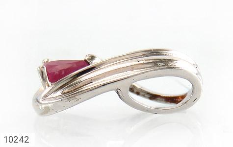 مدال الماس و یاقوت سرخ طرح گیتی زنانه - تصویر 2