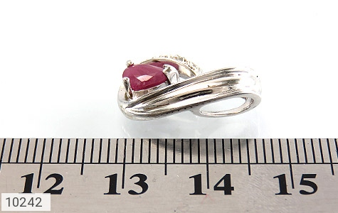 مدال الماس و یاقوت سرخ طرح گیتی زنانه - عکس 5