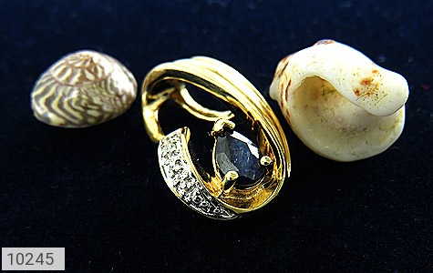 مدال الماس و یاقوت کبود طرح ملودی زنانه - عکس 5
