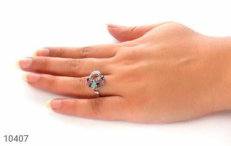 انگشتر یاقوت و زمرد طرح آذین زنانه - عکس 7