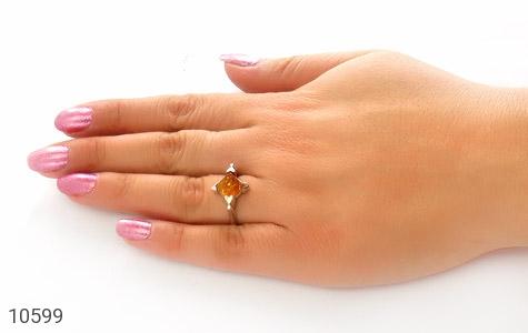 انگشتر کهربا بولونی لهستان مثلثی زنانه - عکس 7