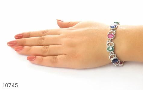 دستبند زمرد و یاقوت طرح دلبرانه درشت و فاخر زنانه - عکس 5