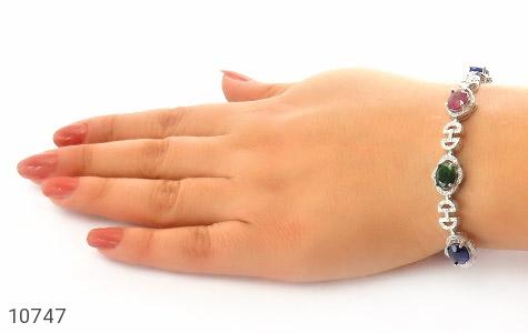 دستبند زمرد و یاقوت درشت طرح مجلسی زنانه - عکس 5
