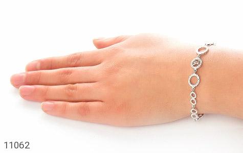 دستبند نقره LV طرح تیراژه زنانه - عکس 5