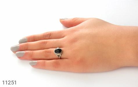 انگشتر عقیق سیاه خوش رنگ زنانه - عکس 7