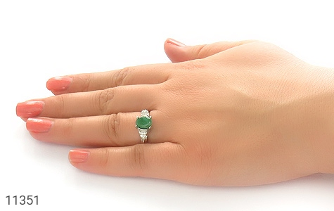 انگشتر زمرد طرح یگانه زنانه - عکس 7