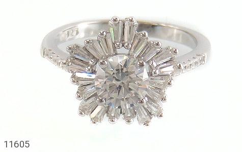 انگشتر نقره سولیتر طرح جواهرنشان زنانه - عکس 3