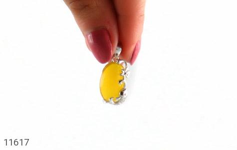مدال عقیق زرد طرح ماهی ناز زنانه - تصویر 6