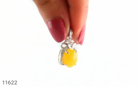 مدال عقیق زرد طرح جمیل زنانه - تصویر 4