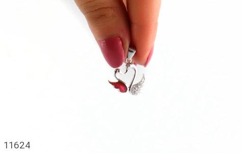 مدال نقره میناکاری طرح عشق زنانه - تصویر 4