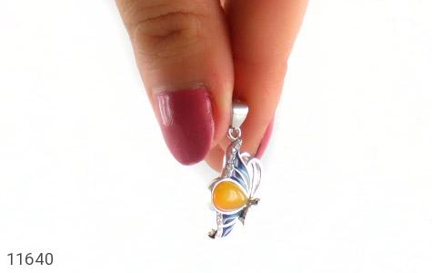 مدال عقیق زرد میناکاری طرح پروانه زنانه - عکس 5