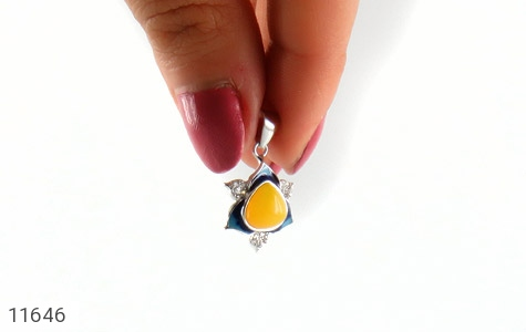 مدال عقیق زرد میناکاری طرح جمیل زنانه - عکس 5