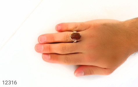 انگشتر عقیق یمن حکاکی و من یتق الله رکاب دست ساز - عکس 7
