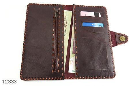 کیف چرم طبیعی تیره دست دوز اسپرت دکمه ای - تصویر 4
