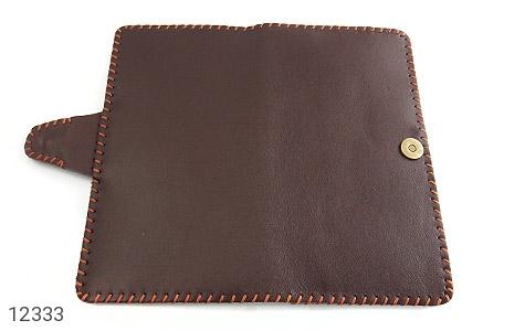 کیف چرم طبیعی تیره دست دوز اسپرت دکمه ای - تصویر 6