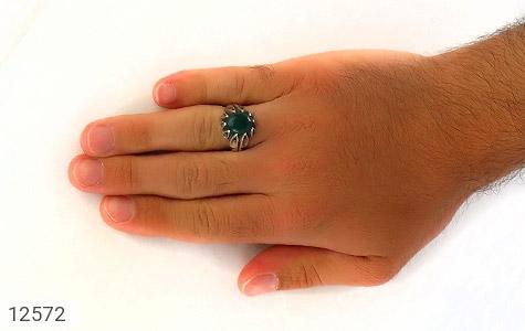 انگشتر عقیق سبز رکاب اشکی مردانه - عکس 7