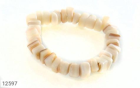 دستبند صدف سفید و خوش تراش زنانه - عکس 1