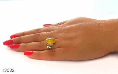 انگشتر عقیق زرد درشت طرح پرنسس زنانه - عکس 7