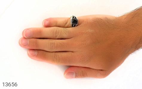 انگشتر عقیق سیاه طرح لنگر مردانه - عکس 7