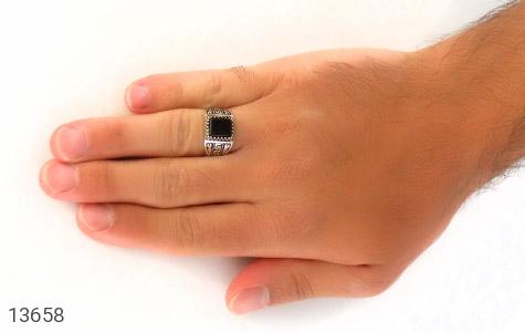 انگشتر عقیق سیاه طرح ورساچه مردانه - عکس 7