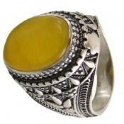 انگشتر عقیق زرد درشت شرف الشمس طرح سنتی مردانه