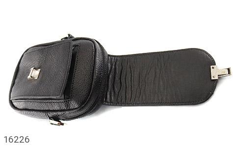 کیف چرم طبیعی دکمه دار مشکی طرح دوشی - تصویر 2