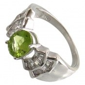 انگشتر زبرجد طرح جواهرنشان زنانه