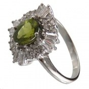 انگشتر زبرجد طرح جواهری زنانه