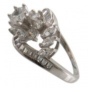 انگشتر نقره سولیتر طرح جواهری زنانه