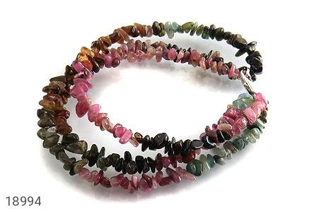 دستبند یاقوت و زبرجد و زمرد سه رشتهای زنانه - تصویر 2