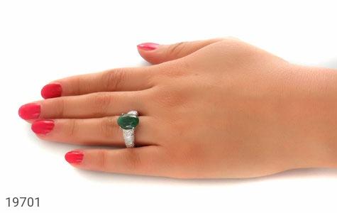 انگشتر زمرد خوش رنگ طرح بهناز زنانه - عکس 7
