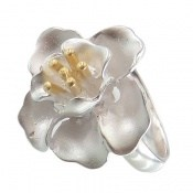 انگشتر نقره طرح گل فاخر زنانه