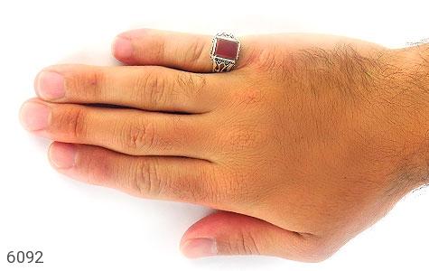 انگشتر عقیق قرمز چهارگوش رکاب شبکه - تصویر 6