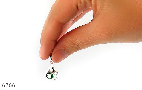 مدال نقره نگین سبز زنانه - تصویر 6