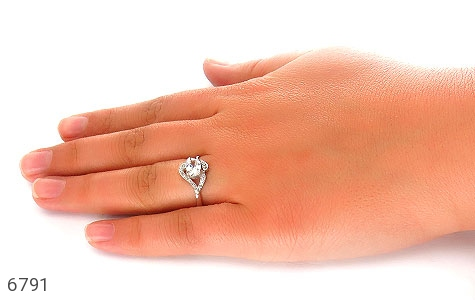 انگشتر نقره سولیتر طرح پیچ زنانه - تصویر 6