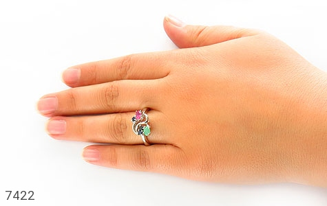 انگشتر یاقوت و زمرد طرح پیچک زنانه - تصویر 6