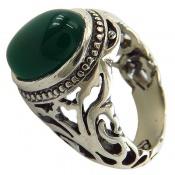 انگشتر عقیق سبز خوش رنگ رکاب طرح سیاه قلم مردانه