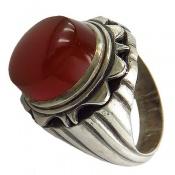 انگشتر عقیق قرمز تیره خوش رنگ برجسته مردانه