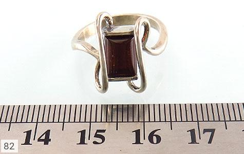 انگشتر کهربا طرح پیچ زنانه - تصویر 4