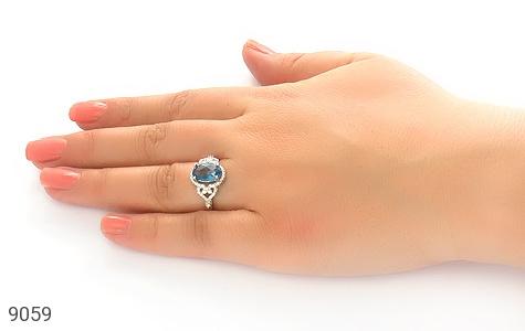 انگشتر نقره نگین آبی درخشان زنانه - عکس 5