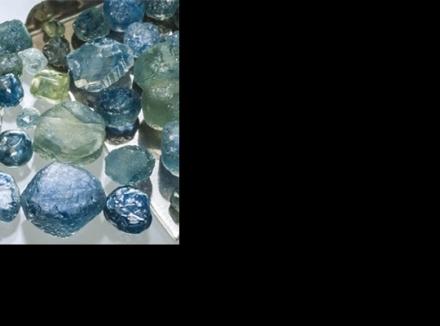 استخراج یاقوت کبود از معدن صخرههای یونان در مونتانا