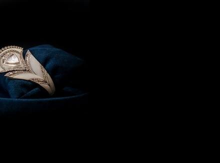 مجموعه جواهرات برند بچیران به شکل پر طاووس