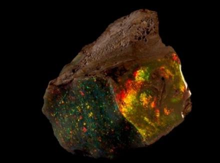 یکی از زیبا ترین اپالهای کشف شده در دنیا