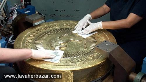 بزرگترین سکه طلا در دنیا و تصاویری از مراحل ساخت آن