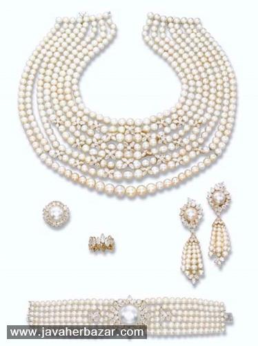 حراج جواهرات جنوا کریستی از یک خانه سلطنتی