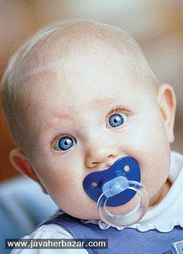 معایب و مزایای پستانک برای نوزاد
