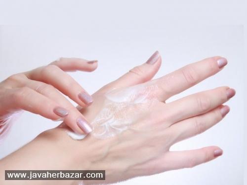چگونه خشکی پوست دست را درمان کنیم؟