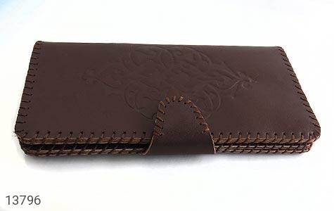 کیف چرم طبیعی دست دوز دکمه ای طرح دار - 13796
