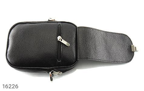 عکس کیف چرم طبیعی دکمه دار مشکی طرح دوشی - شماره 3